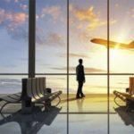 ФАС требует снижения стоимости авиабилетов, но при этом повышает аэропортовые сборы